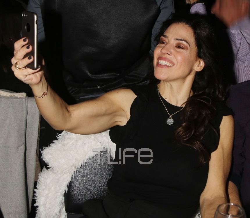 Ναταλία Δραγούμη: Άκρως ευδιάθετη σε βραδινή της έξοδο! [pics] | tlife.gr