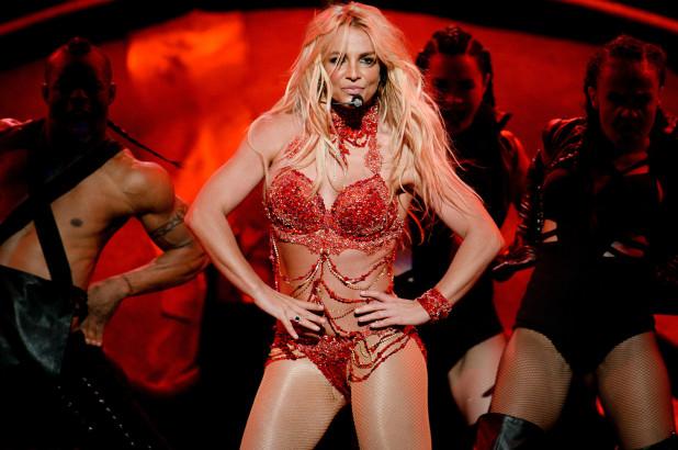 Britney Spears: Διακόπτει τα shows της λόγω των σοβαρών προβλημάτων υγείας του πατέρα της! | tlife.gr
