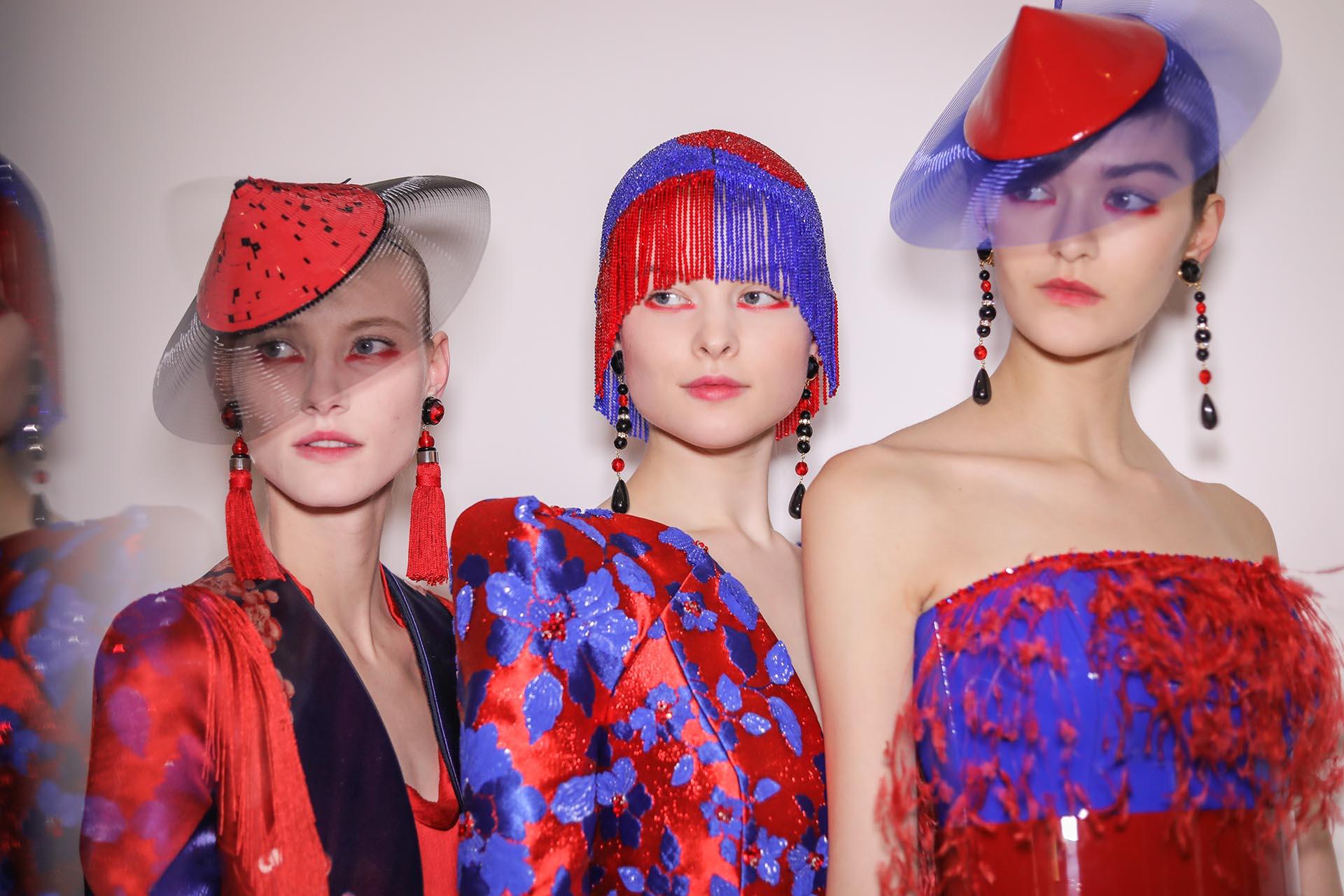 Θα έβαζες ποτέ μολύβι χειλιών στα μάτια; Στο couture show του Armani το έκαναν! | tlife.gr