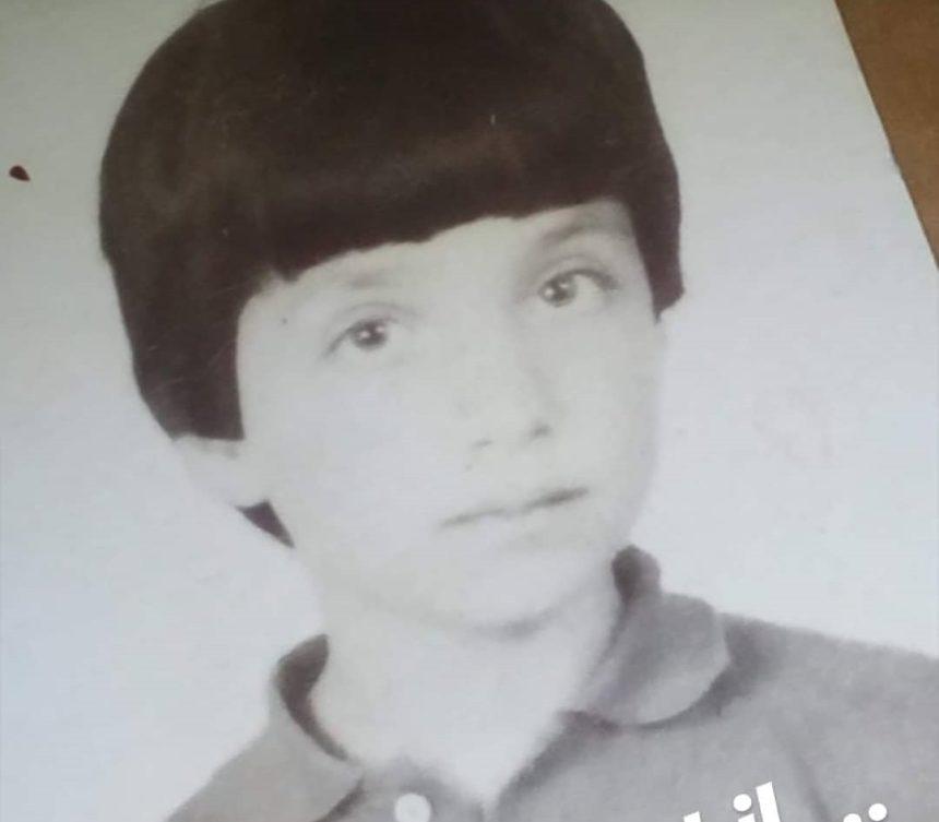 To αγοράκι της φωτογραφίας γνωστός Έλληνας ηθοποιός! Τον αναγνώρισες; | tlife.gr