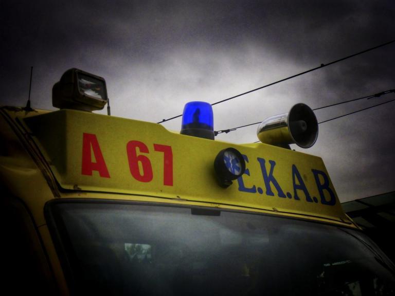 Τραγωδία στην Κερατέα – Χείμαρρος παρέσυρε αυτοκίνητο με ηλικιωμένους – Μία νεκρή και 2 αγνοούμενοι | tlife.gr