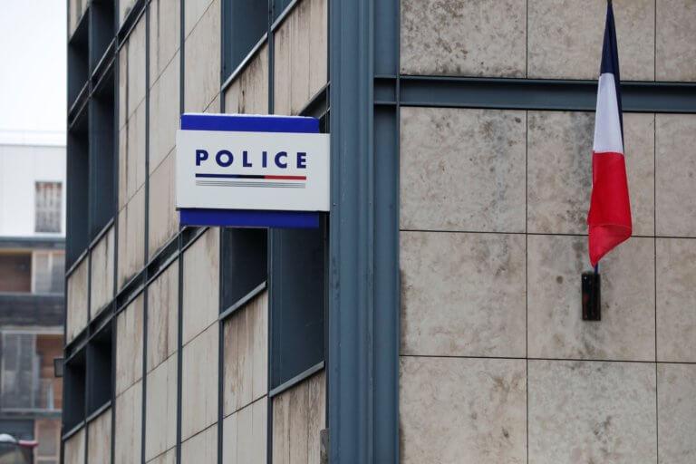 Παρίσι: Μικρός μαθητής πυροβόλησε στο διάλειμμα με το όπλο του αστυνομικού πατέρα του | tlife.gr