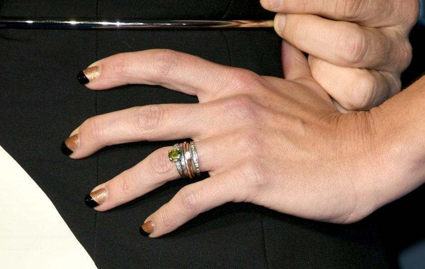 Δεν περιμέναμε από αυτή την διάσημη να αγαπά το nail art! Ποια είναι! | tlife.gr