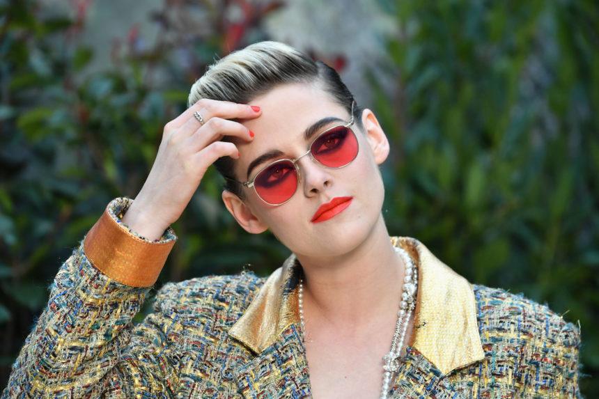Η Kristen Stewart σέταρε το κραγιόν με τα γυαλιά της στο show της Chanel (αλλά περίμενε μέχρι να τα βγάλει)! | tlife.gr