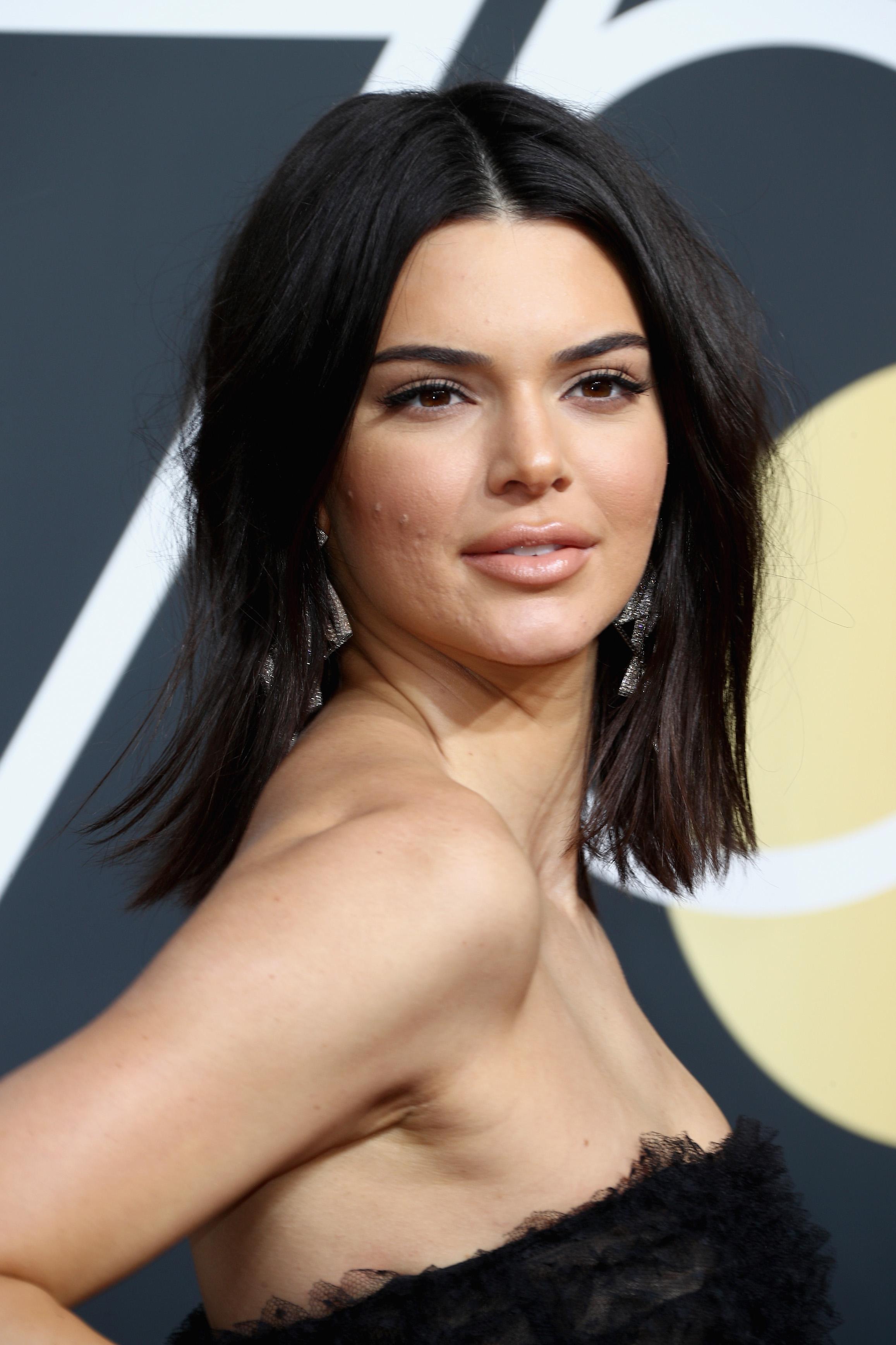 Η Kendall Jenner μιλάει για πρώτη φορά για την ακμή της και το σκηνικό που είχε γίνει στα Golden Globes το 2018! | tlife.gr