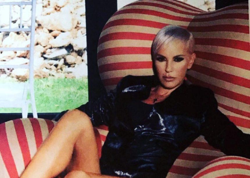 Νατάσα Καλογρίδη: Η εκρηκτική ηθοποιός παίζει μπάλα φορώντας… τακούνια! (video) | tlife.gr