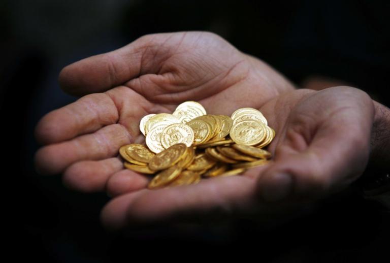 Τρίκαλα: Οι χρυσές λίρες και το μεγάλο λάθος του επιχειρηματία – Κατέρρευσε μέσα στο δικαστήριο! | tlife.gr