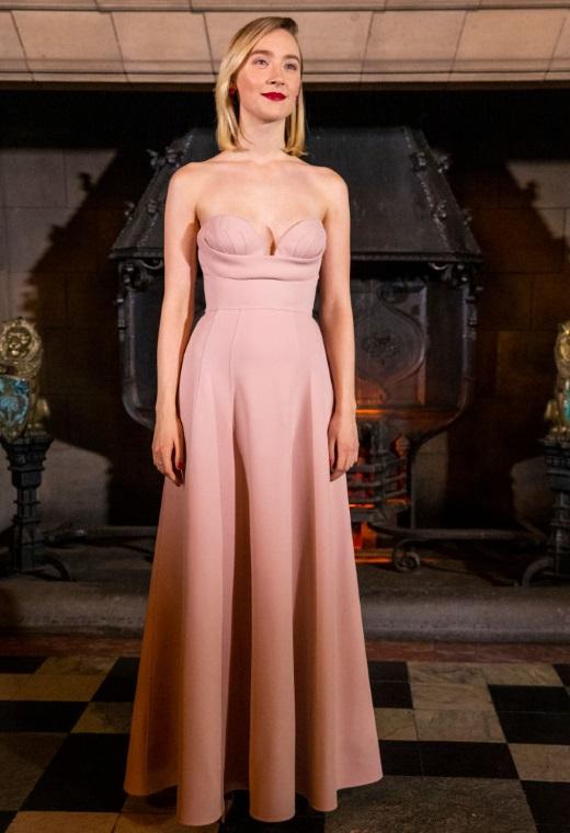 Η Saoirse Ronan με Christian Dior | tlife.gr