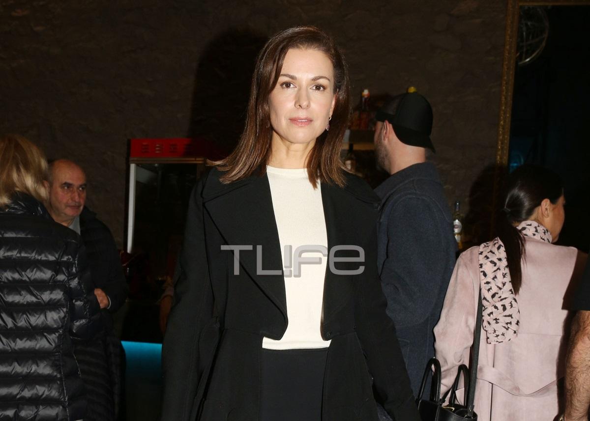 Τζίνα Αλιμόνου: Σπάνια βραδινή έξοδος για την ηθοποιό [pics] | tlife.gr