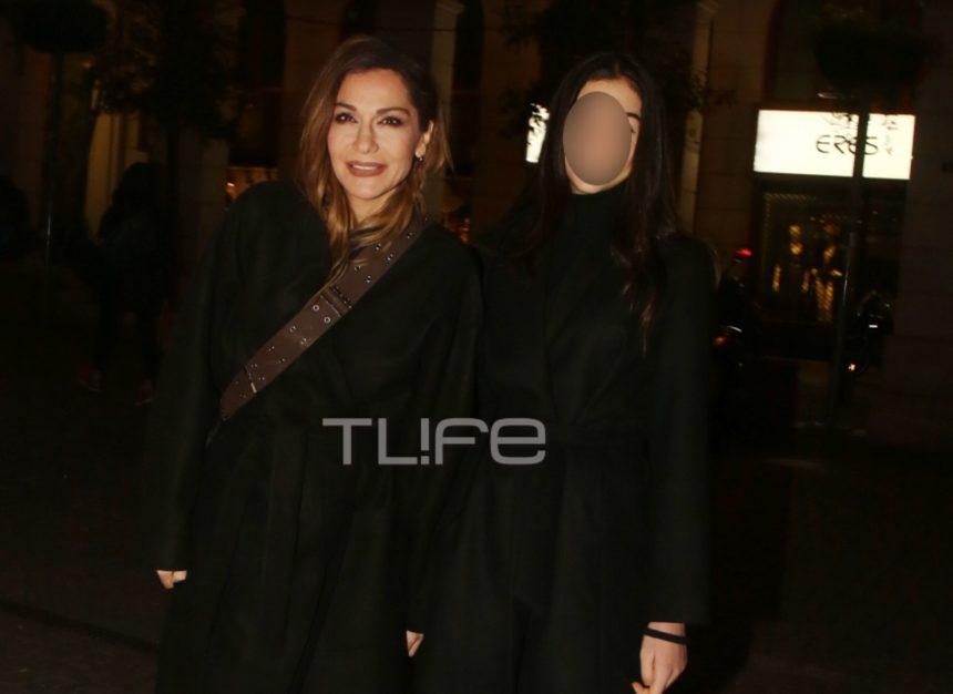 Δέσποινα Βανδή: H κόρη της, Μελίνα μεγάλωσε και είναι σαν αδερφές! Η έξοδός τους στο θέατρο [pics] | tlife.gr