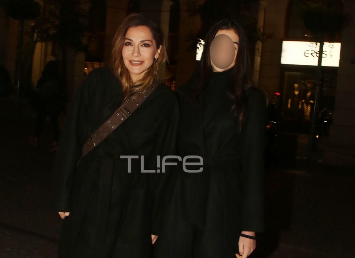 Δέσποινα Βανδή: H κόρη της, Μελίνα μεγάλωσε και είναι σαν αδερφές! Η έξοδός τους στο θέατρο [pics]   tlife.gr