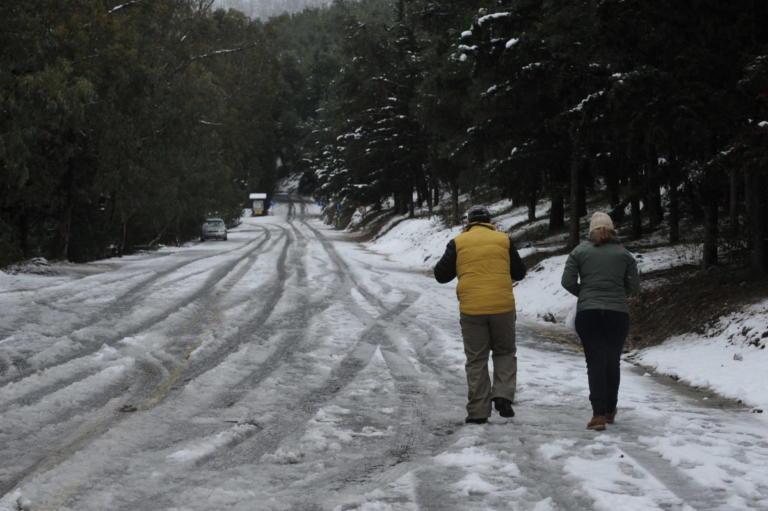 Καιρός: Ο Τηλέμαχος φέρνει χιόνι και στην Αθήνα – Που και πότε θα το στρώσει | tlife.gr