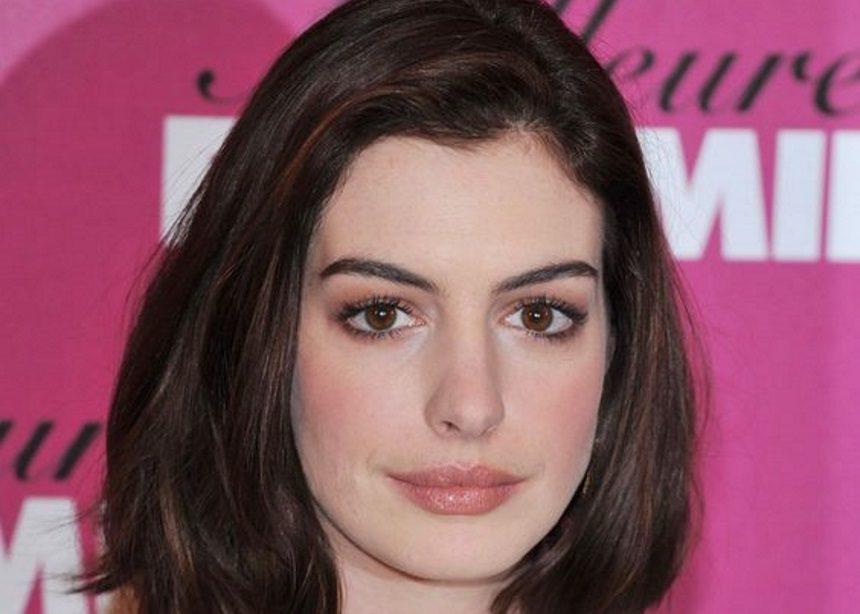 Γιατί αποφάσισε η Anne Hathaway να μην ξαναπιεί αλκοόλ για τα επόμενα 18 χρόνια; | tlife.gr