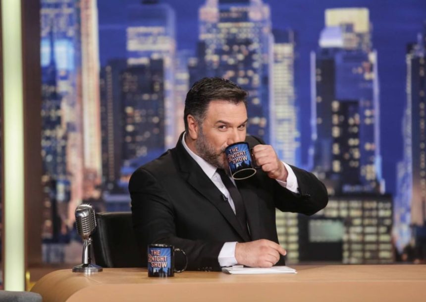 Γρηγόρης Αρναούτογλου: Αυτός είναι ο αγαπημένος Έλληνας τραγουδοποιός που θα φιλοξενήσει στην εκπομπή του!   tlife.gr
