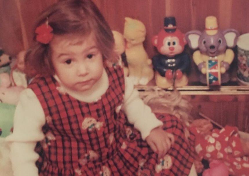 Το κοριτσάκι της φωτογραφίας είναι Ελληνίδα ηθοποιός – Την αναγνωρίζεις; | tlife.gr