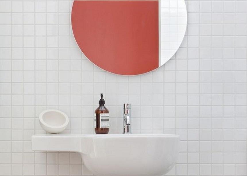 Smart tips: Πώς να κάνεις upgrade στο μπάνιο σου μόνο με μια πετσέτα προσώπου