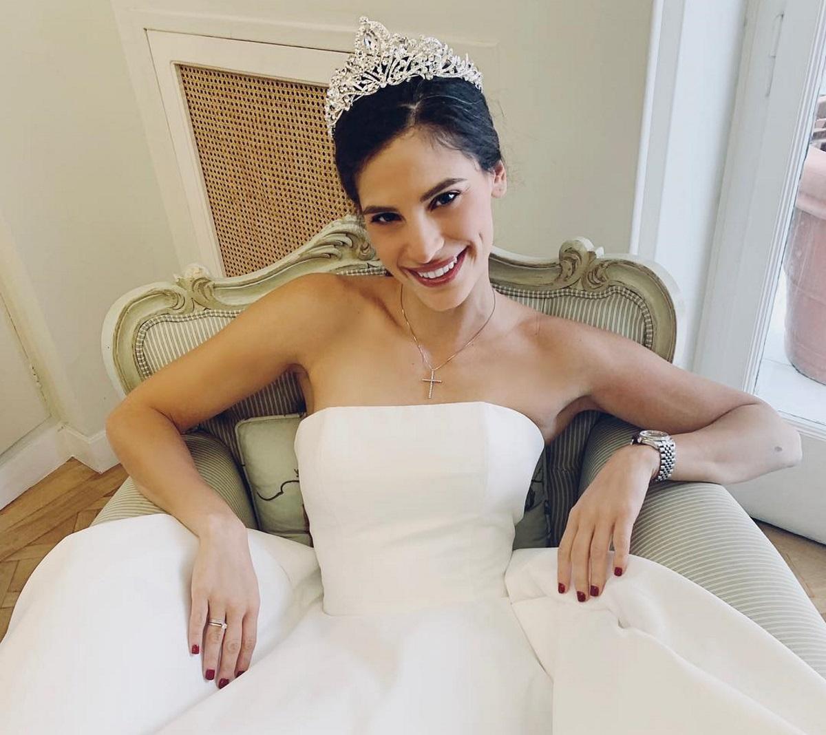 Χριστίνα Μπόμπα: Πάντρεψε την καλύτερή της φίλη στην Λάρισα! Video | tlife.gr