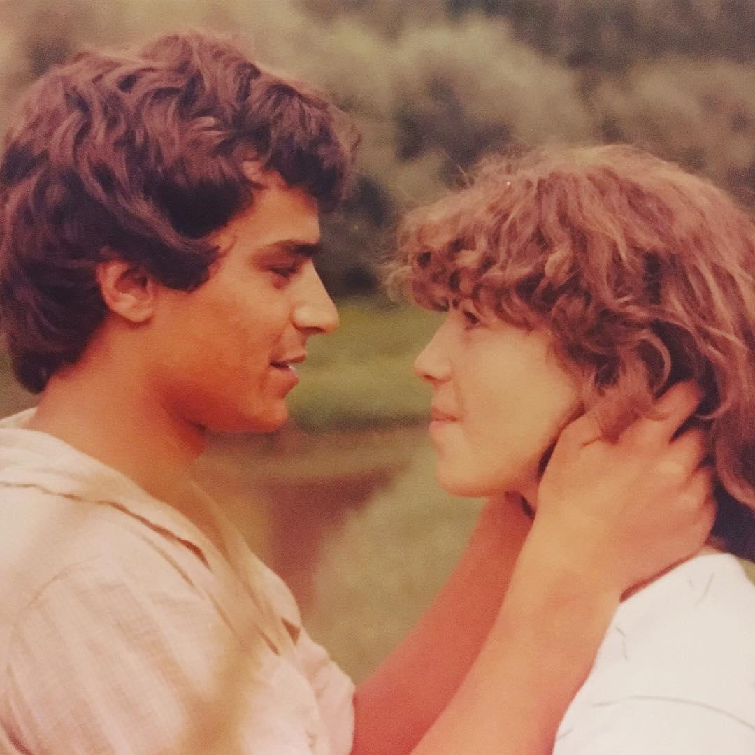 Σαν διαφήμιση του ΄80! Το ζευγάρι της φωτογραφίας είναι οι γονείς Ελληνίδας τραγουδίστριας! [pics] | tlife.gr