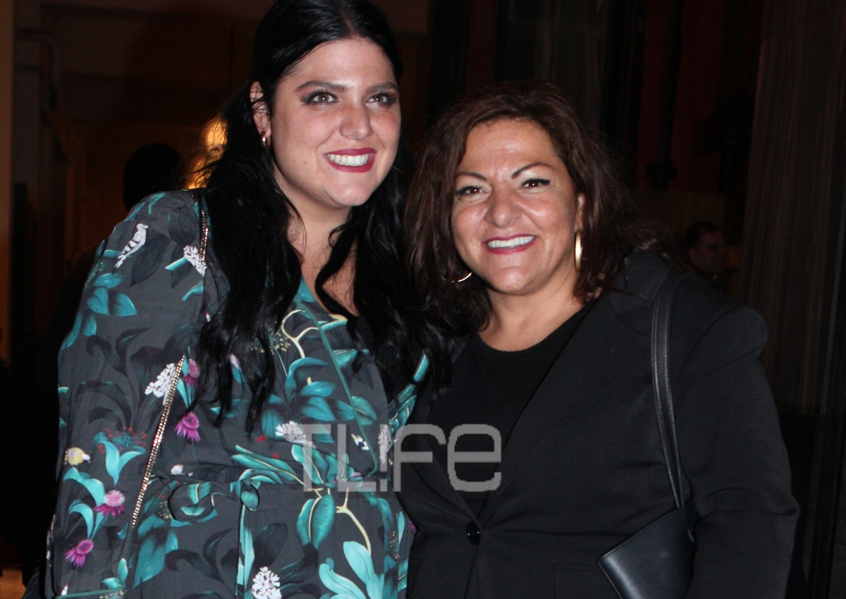 Δανάη Μπάρκα: Η ανακοίνωση που έκανε για τη μητέρα της, Βίκυ Σταυροπούλου, στο Instagram! | tlife.gr