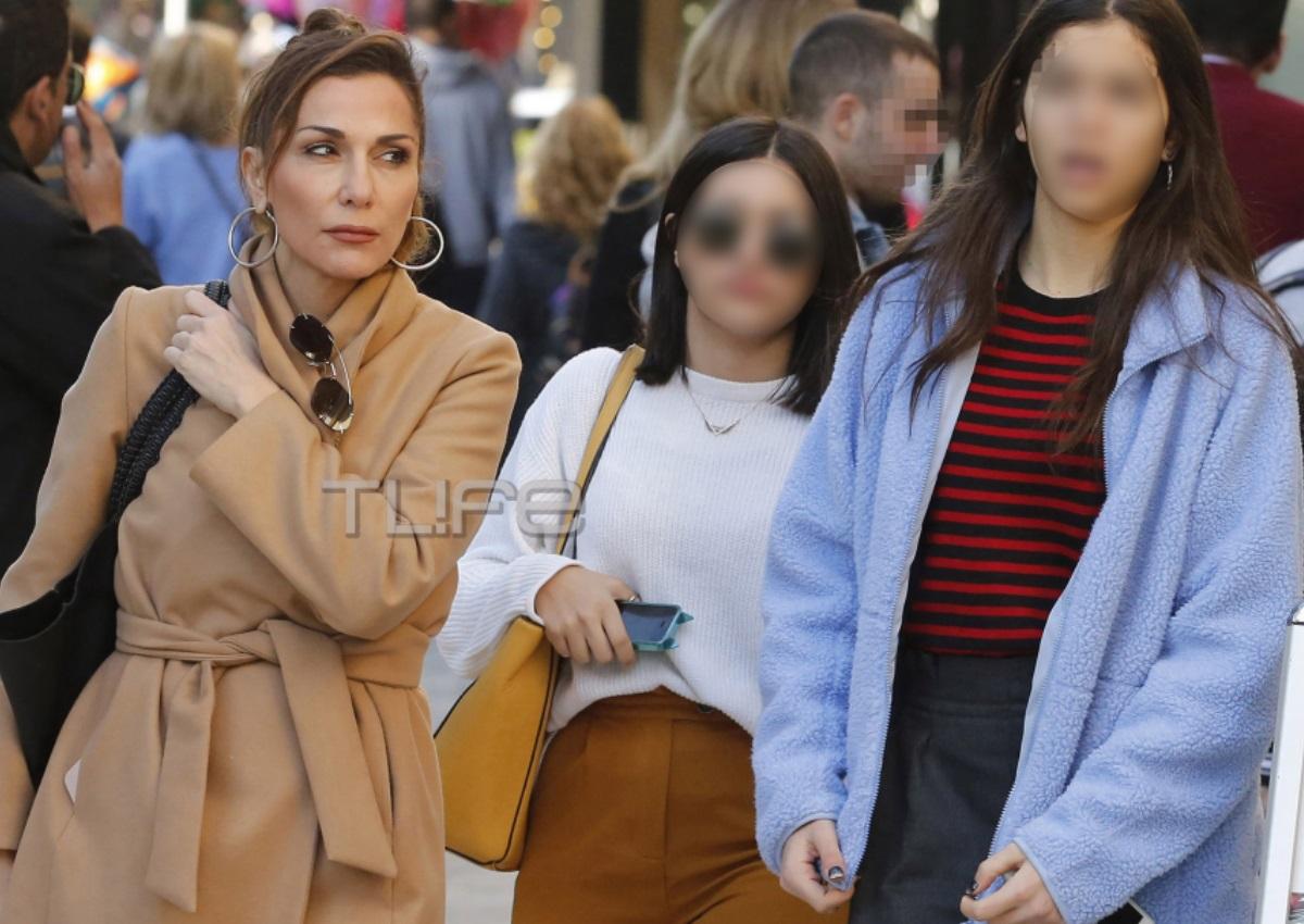 Δέσποινα Βανδή – Μελίνα Νικολαΐδη: Μαμά και κόρη είναι αχώριστες! Οι βόλτες τους στα νότια προάστια [pics] | tlife.gr