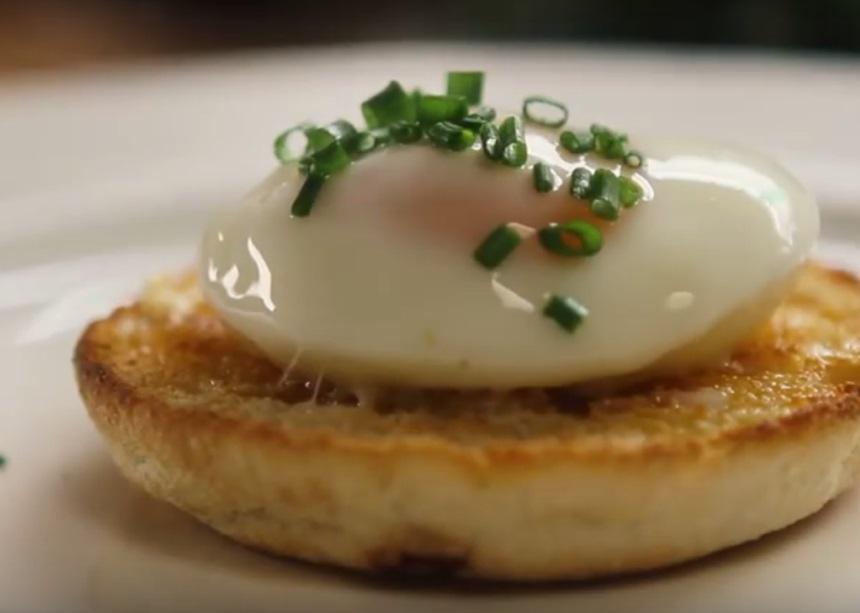 Εσύ ξέρεις πώς να φτιάξεις αυγά ποσέ σε μόλις 60″;
