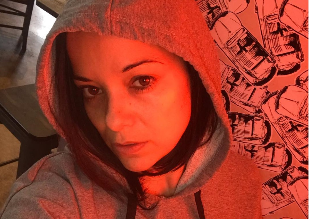 Κατερίνα Τσάβαλου: Παίζει κρυφτό με την πανέμορφη κόρη της! [pic] | tlife.gr
