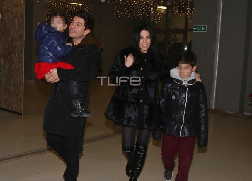 Νίκος Κουρκούλης – Κέλλυ Κελεκίδου: Οικογενειακή έξοδος με τα παιδιά τους!   tlife.gr