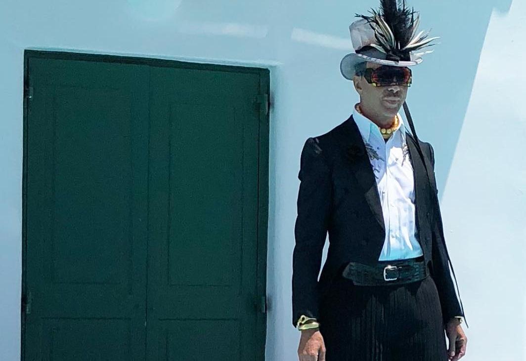 Ο Λάκης Γαβαλάς ποζάρει με φούστα στο instagram με αφορμή την ανδρική εβδομάδα μόδας! [pics] | tlife.gr