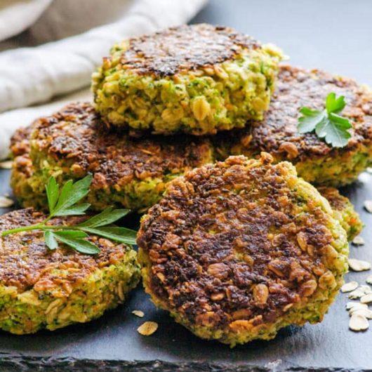 Μπιφτέκια λαχανικών με βρώμη   tlife.gr