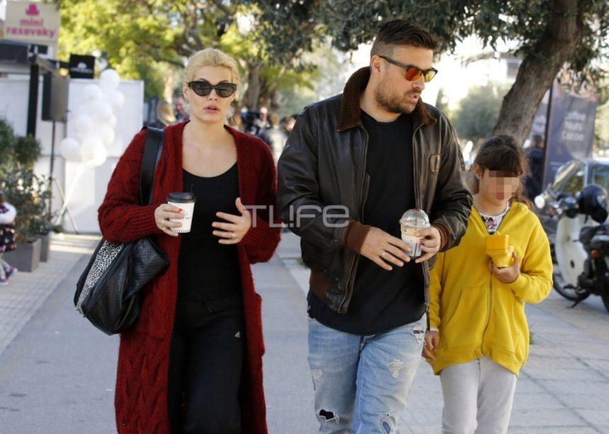 Μαρία Κορινθίου – Γιάννης Αϊβάζης: Βόλτα με την κόρη τους, Ισμήνη, στη Γλυφάδα! [pics] | tlife.gr