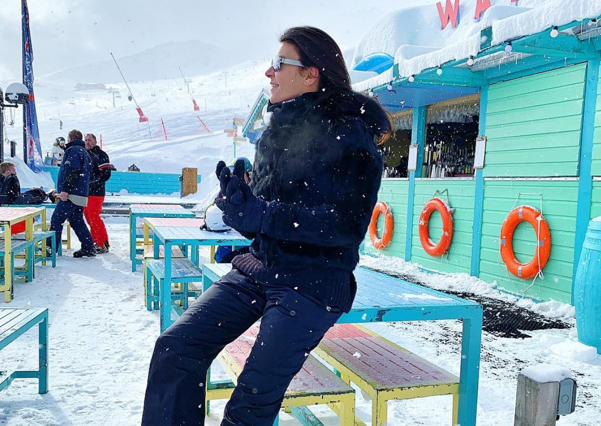 """Μαρίνα Βερνίκου: Κάνει σκι """"με τους λύκους"""" στη Γαλλία   tlife.gr"""