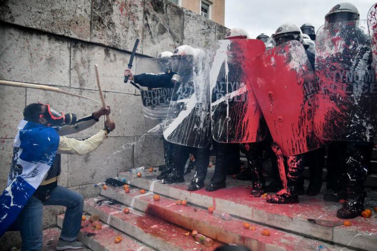 """Συλλαλητήριο για τη Μακεδονία: Ο """"Αφρικανός"""" αποκαλύπτεται – """"Είμαι από τη Νάουσα!""""   tlife.gr"""