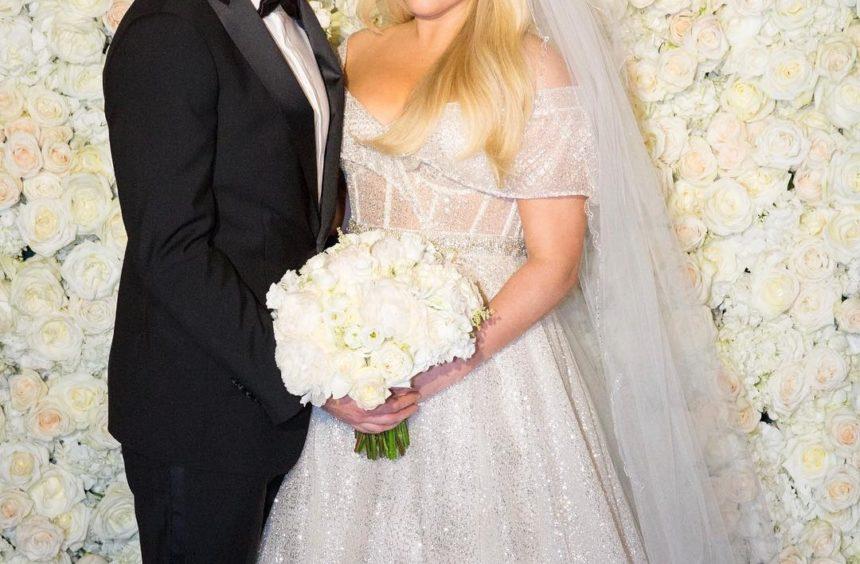 Διάσημη τραγουδίστρια παντρεύτηκε τον αγαπημένο της! Ο Δημήτρης Γιαννέτος επιμελήθηκε το look της νύφης [pics]   tlife.gr