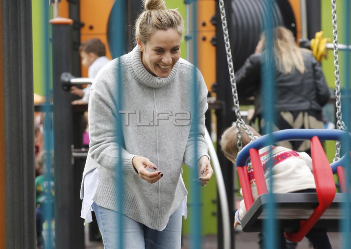 Ελεονώρα Μελέτη: Βόλτα στην παιδική χαρά μαζί με την κόρη της Αλεξάνδρα! [pics]   tlife.gr