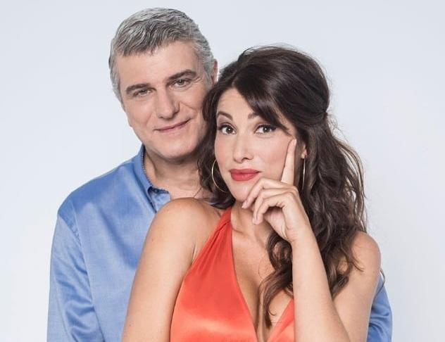 Ο Βλαδίμηρος Κυριακίδης όπως δεν τον έχεις ξαναδεί! Απολαυστικό backstage βίντεο από την Μουρμούρα! | tlife.gr