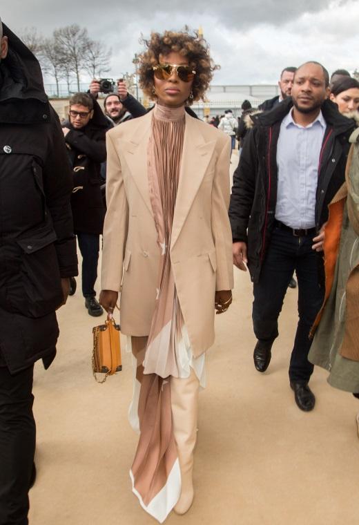 Η Naomi Campbell με Louis Vuitton   tlife.gr