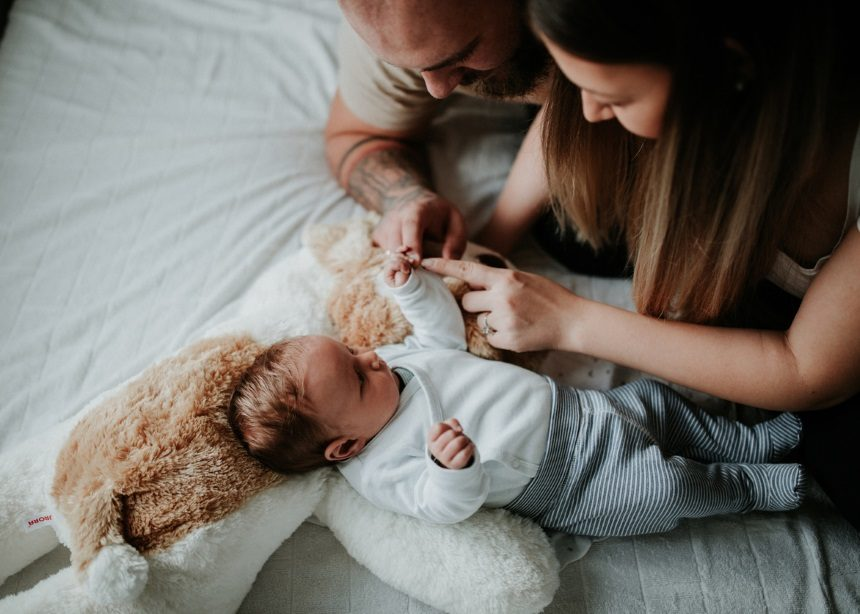 Fight club: Οι 4 πιο συχνοί λόγοι που τσακώνονται οι νέοι γονείς μετά την γέννηση του μωρού | tlife.gr