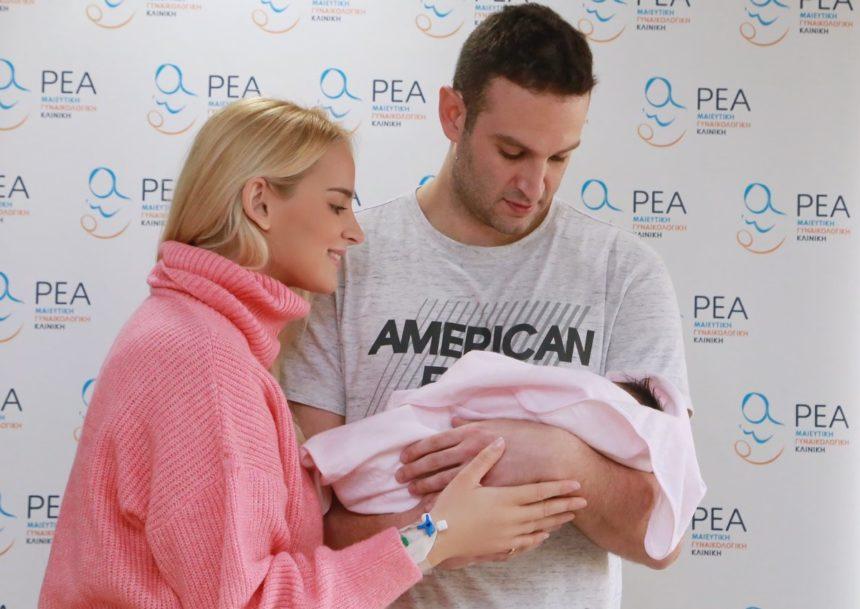 Άννη Πανταζή: Οι πρώτες φωτογραφίες με το μωρό  από το μαιευτήριο! | tlife.gr