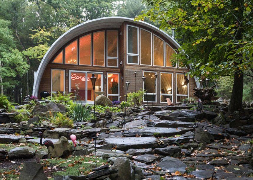 Q Hut: Μια βόλτα στους πολυτελείς χώρους του πιο ιδιότυπου εξοχικού στην Νέα Υόρκη | tlife.gr