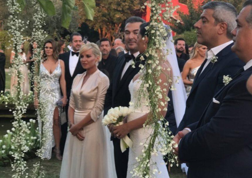 Αντώνης Ρέμος – Υβόννη Μπόσνιακ: Πέντε φωτογραφίες από το παραμυθένιο γάμο τους που σίγουρα δεν έχεις ξαναδεί! | tlife.gr