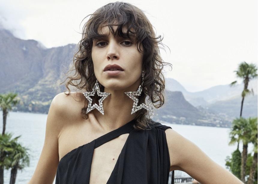 Saint Laurent: Η ultra sexy καμπάνια που φωτογραφήθηκε στη Λίμνη Como και αξίζει να δεις
