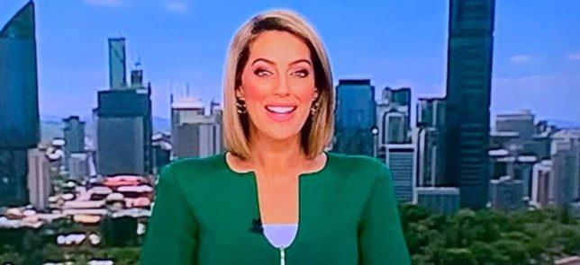 Μάντεψε γιατί τα social media τρόλαραν το πράσινο σακάκι της παρουσιάστριας! | tlife.gr