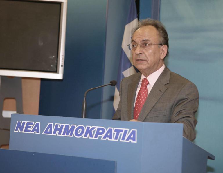 Πέθανε ο Δημήτρης Σιούφας | tlife.gr
