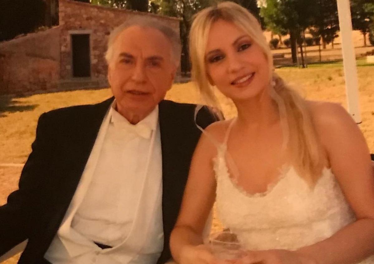 Συγκινεί το «αντίο» της Λίνας Σακκά στον Τρύφωνα Καρατζά | tlife.gr