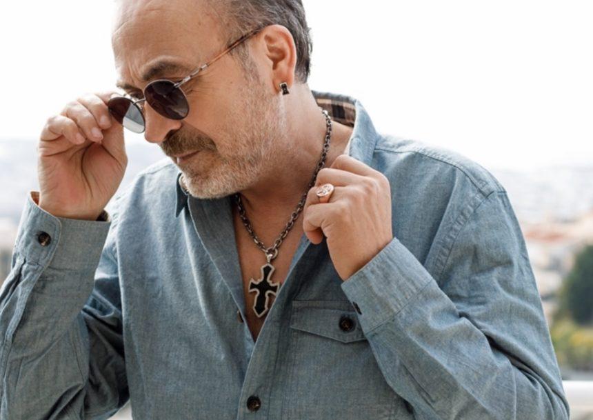 Ο Σταμάτης Γονίδης εξομολογείται για πρώτη φορά: «Αφαίρεσα έναν όγκο κάτω από το αυτί»   tlife.gr