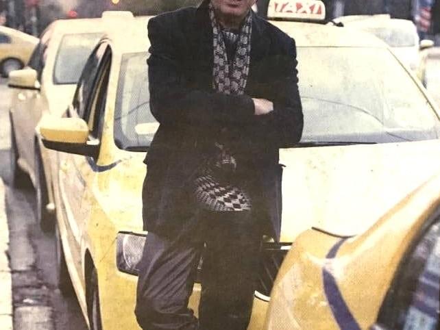 """Γνωστός λαϊκός τραγουδιστής έγινε ταξιτζής και δηλώνει: """"Δεν ντρέπομαι για τη δουλειά μου"""""""