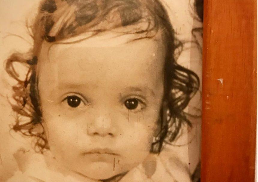Το κοριτσάκι στην φωτογραφία είναι διάσημη Ελληνίδα ηθοποιός! Την αναγνωρίζεις; | tlife.gr