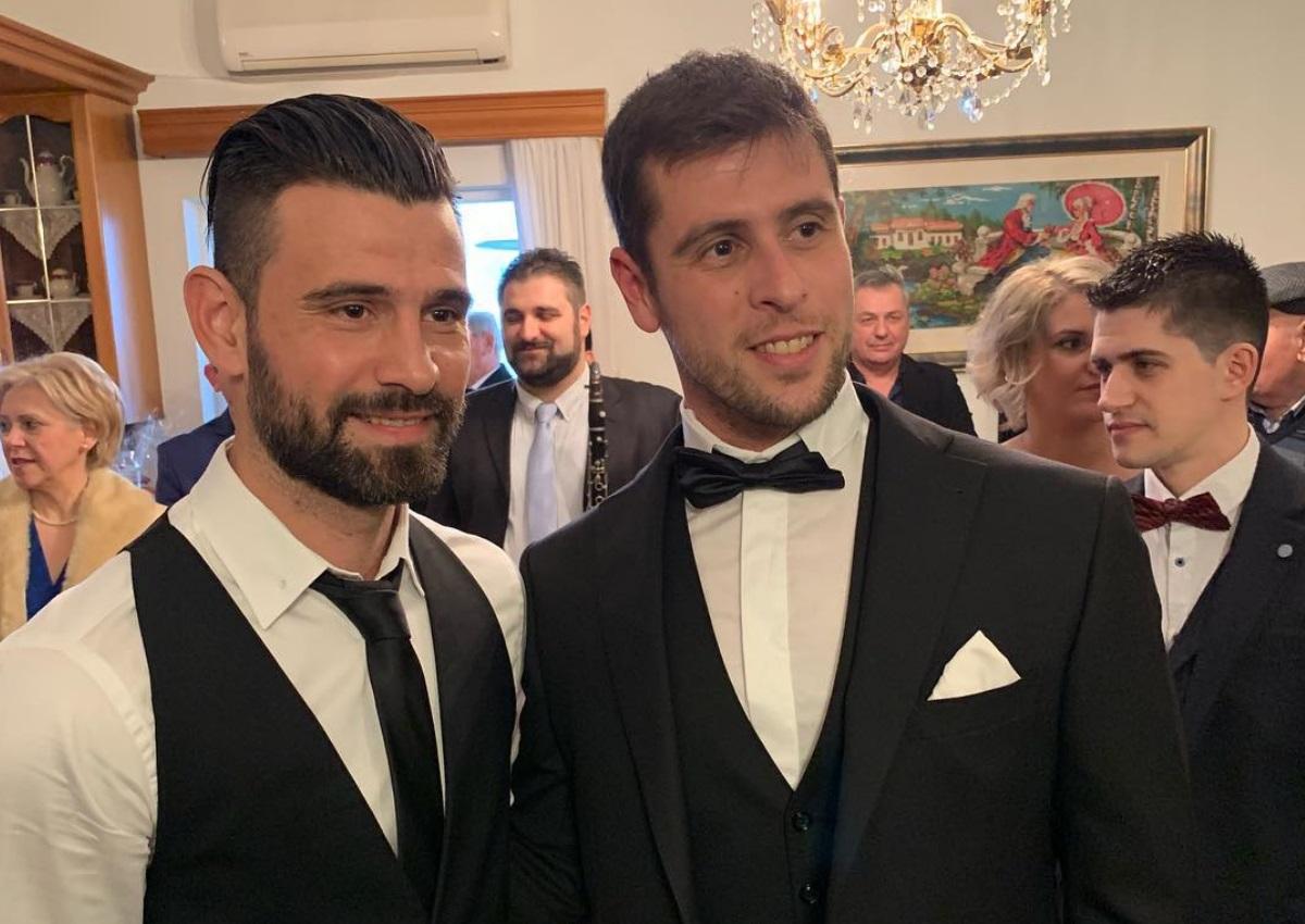 Γιάννης Τσίλης: Παντρεύτηκε την αγαπημένη του στα Ιωάννινα και όλοι οι Survivors φίλοι του βρέθηκαν στον γάμο τους! (pics,video)   tlife.gr