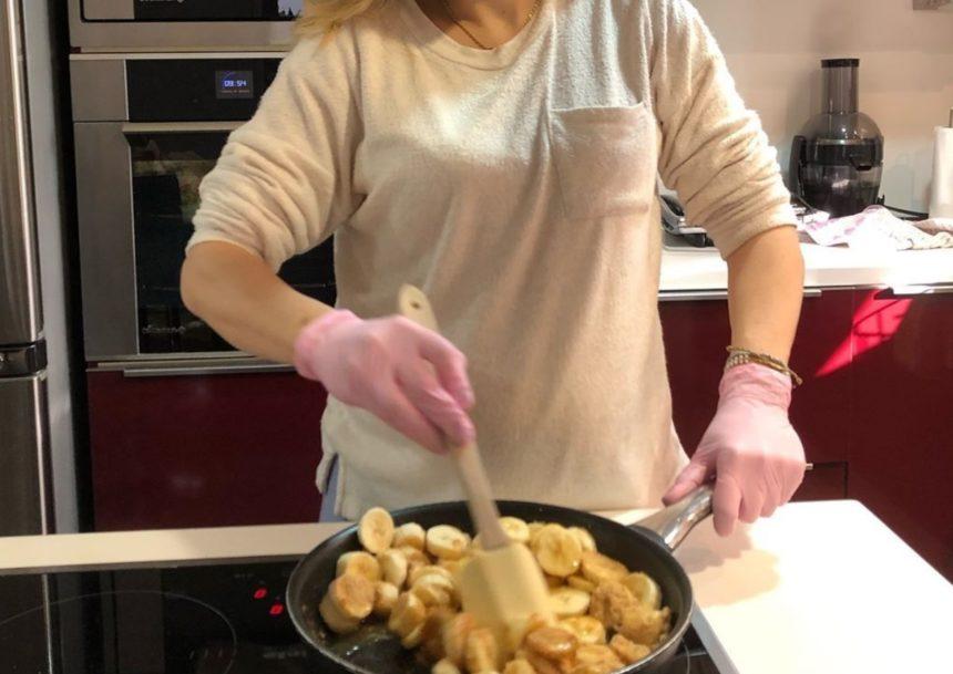 H εγκυμονούσα παρουσιάστρια μπήκε πρωί πρωί στην κουζίνα για να φτιάξει κέικ μπανάνα! (pic) | tlife.gr