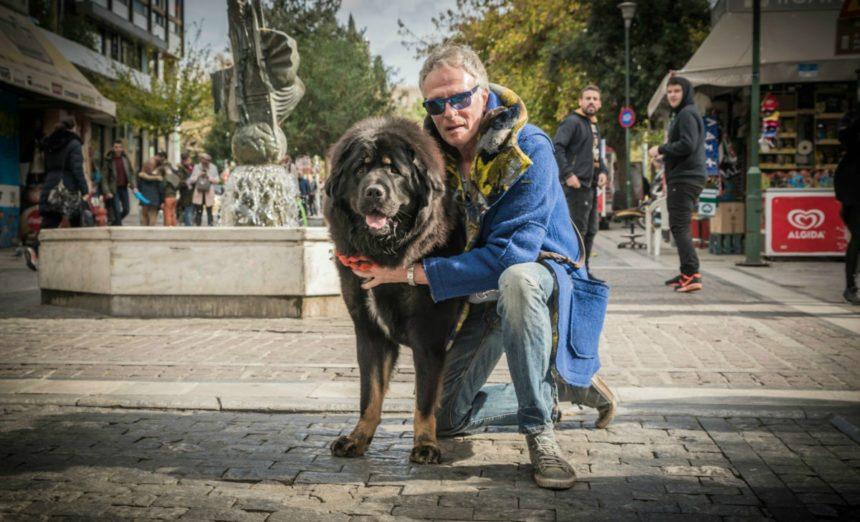 Αριστοτέλης Αποσκίτης: Συγκινούν όσα είπε για τον αγαπημένο του σκύλο, σε συνέντευξή του 2 μήνες πριν πεθάνει | tlife.gr